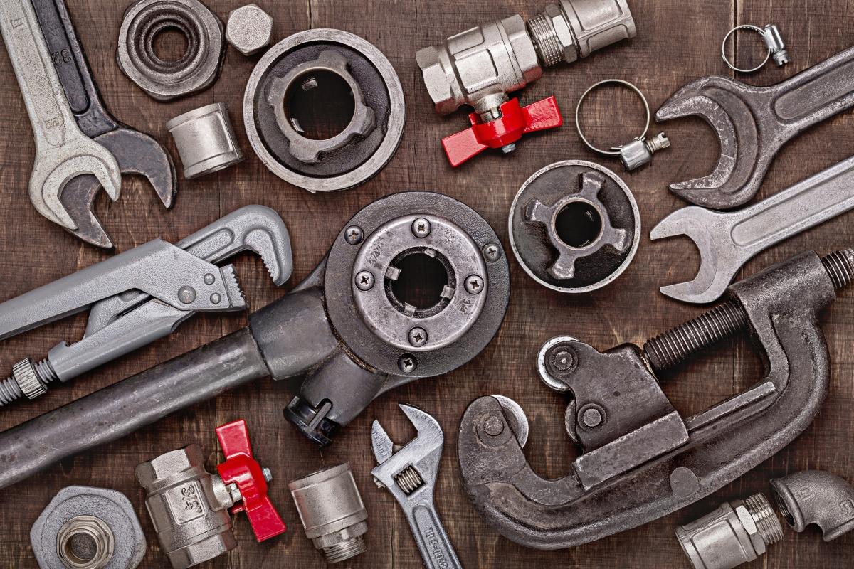 zestaw kluczy i narzędzi hydraulicznych
